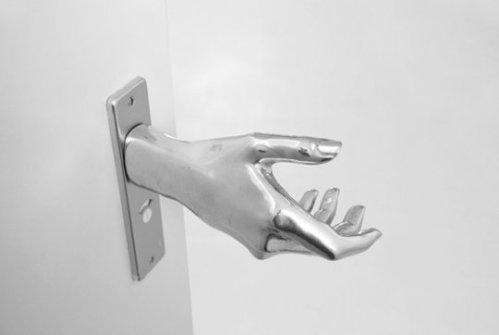 Un saludo y abra la puerta